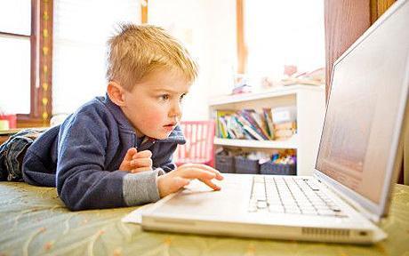 child-using-internet