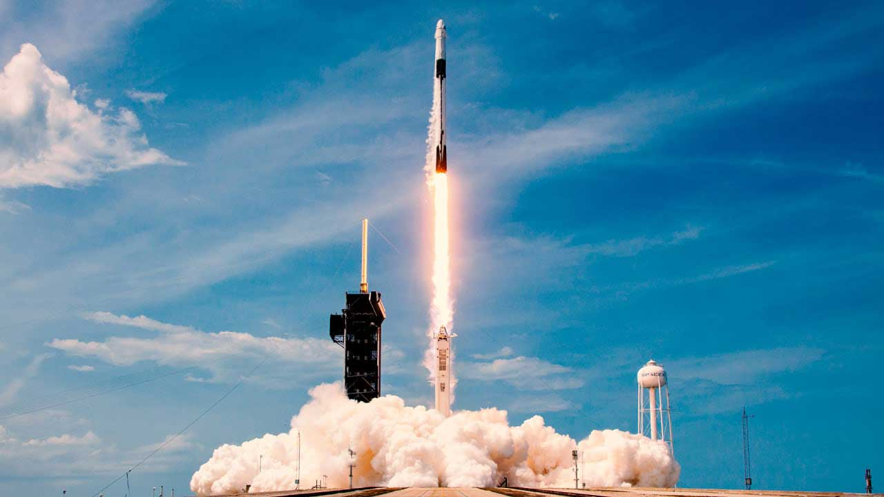 Space Tourism Begins This Year