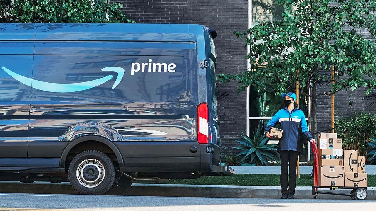 Amazon Wants an Inside Job